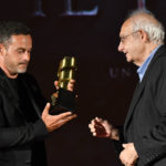 Aldo Albano Fitel premia il Maestro dArmi Emiliano Novelli ritira Samuele Brancato