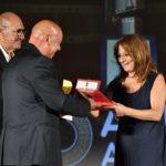 Del Ferraro premia Maria Antonietta Salvatori sarta per la fiction IL NOME DELLA ROSA